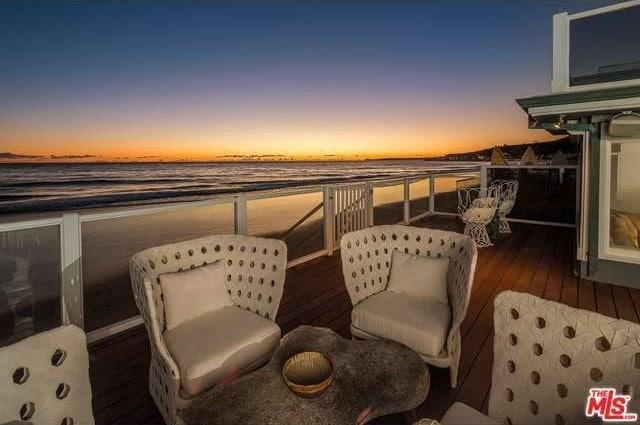 Judd Apatow & Leslie Mann's Malibu estate